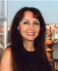 Dr. Paula Carvalho